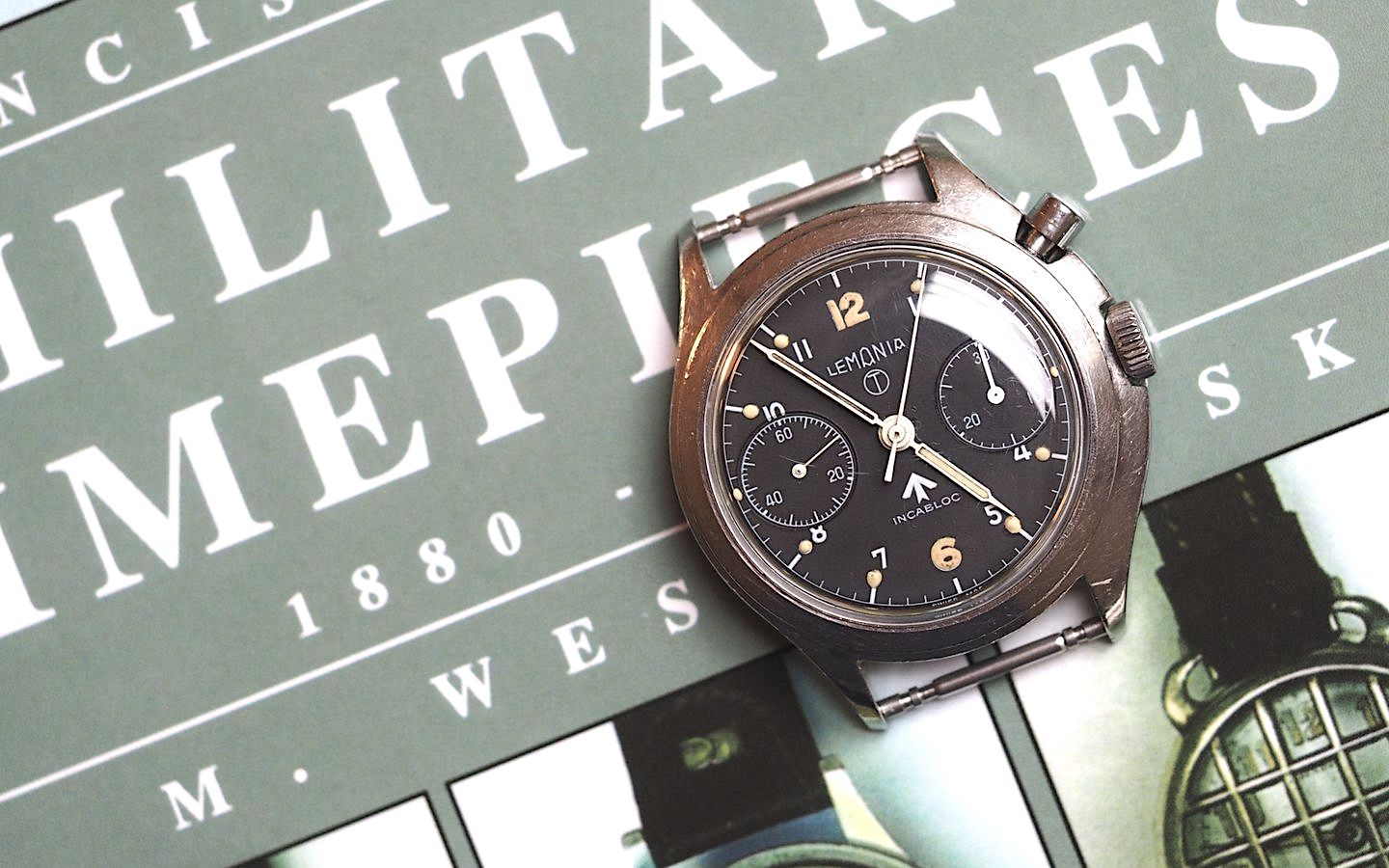 Lemania-Navy-Series-3-Chronograph