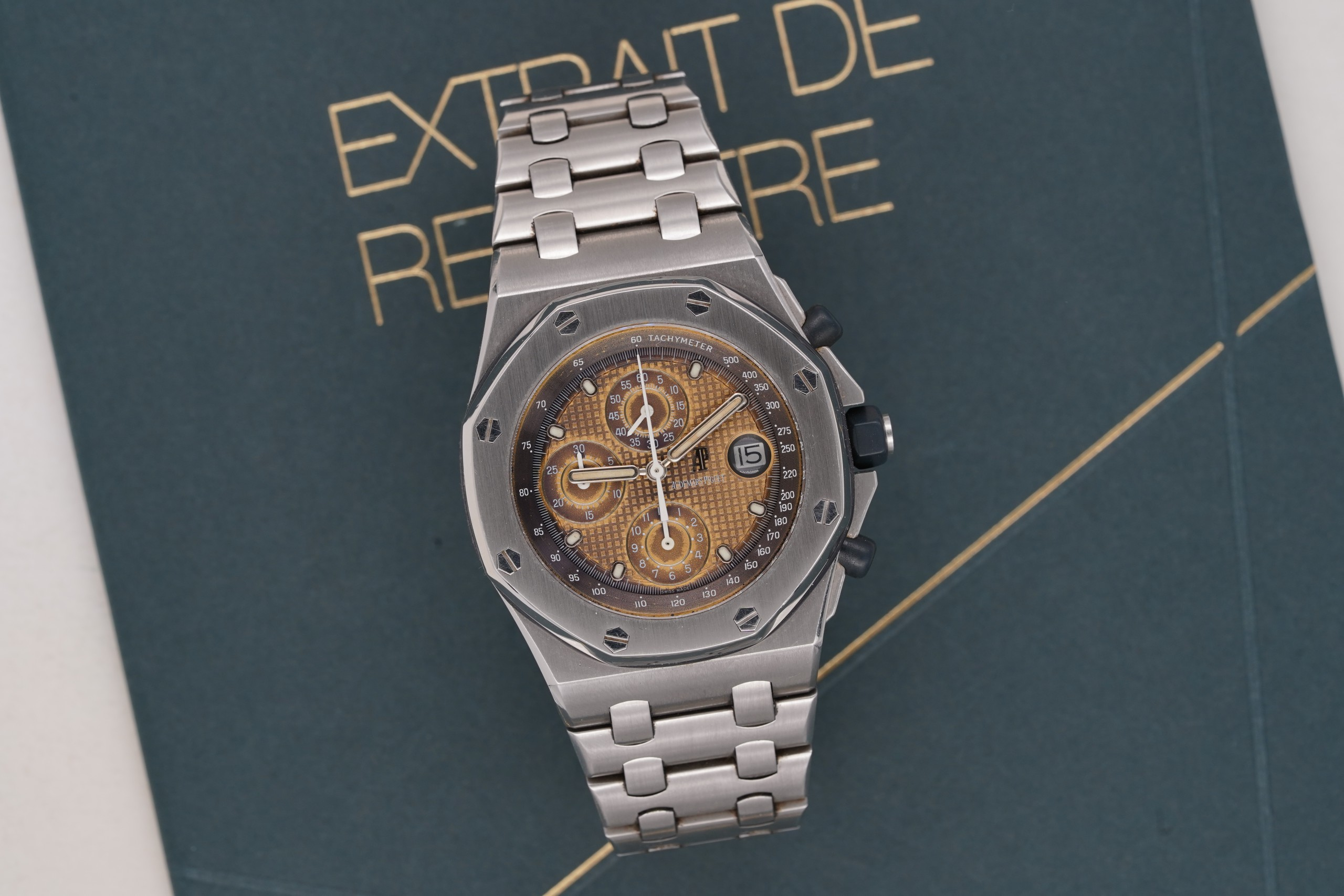 Audemars-Piguet-Royal-Oak-Offshore-25721-Beast-Tropical